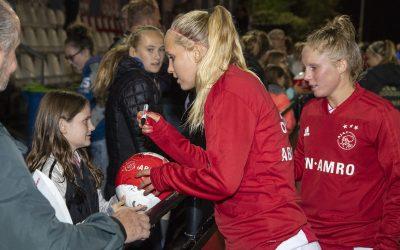 Vrouwen AJAX komen naar Bunnik voor meiden voetbalclinic! Schrijf je snel in.